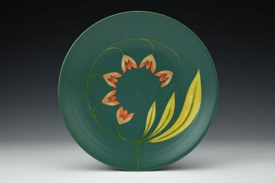 Dark Green Plate with Three Large Yellow Leaves