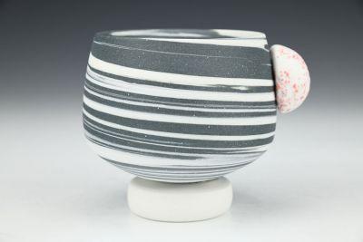 B&W Swirl Cup