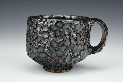 Black Daisy Mug