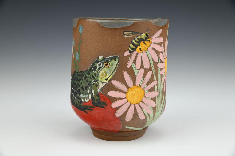 Bullfrog and Bee Cup